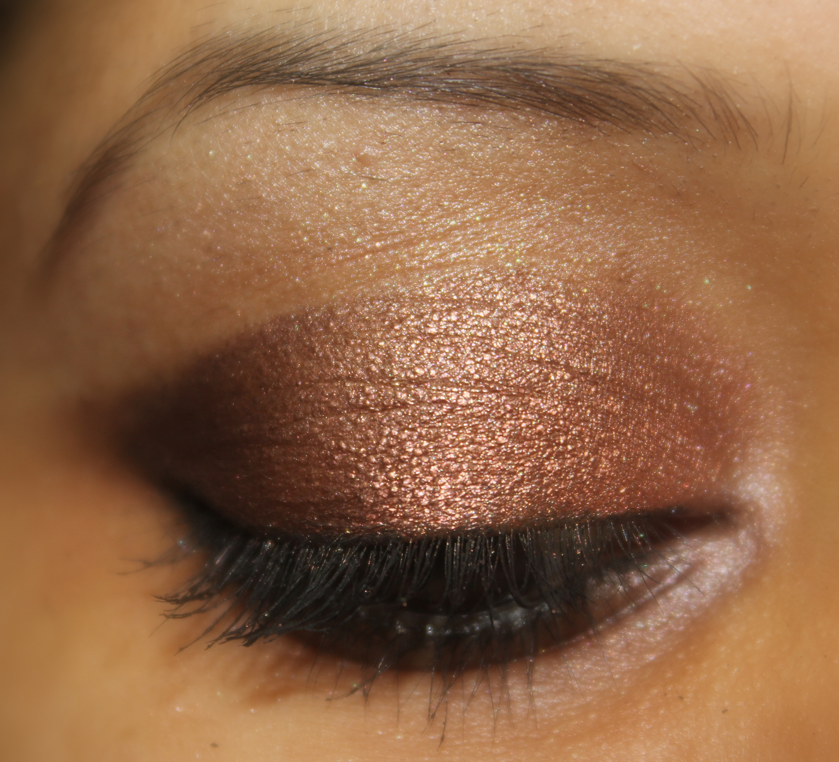 Neutral Eye Makeup Corals With Blues