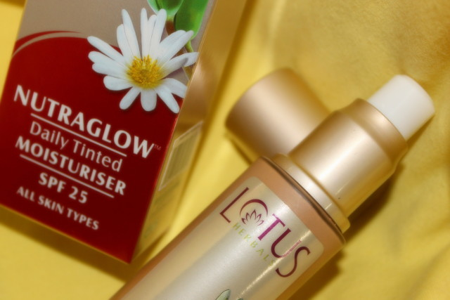 Lotus Herbals Tinted Moisturizer for Oily skin